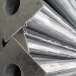 Метални Стълбове
